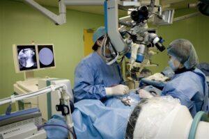 جراحة العمود الفقري المجهرية 4